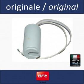 Condensatore 16 uF